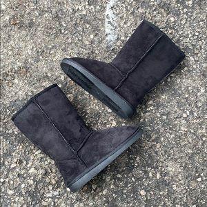 Kids Black Plain Slip On Ugg Like Boots